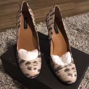 Ann Taylor Perfect Leather pump